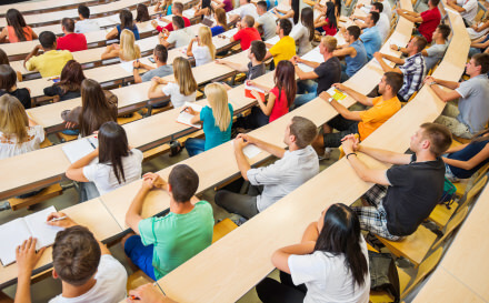 How to Stand Out in a Class of 300 and Succeed in College