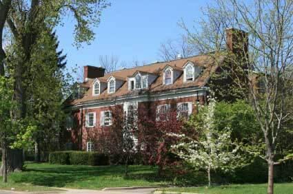 Connecting on Campus: Undergraduate Associations