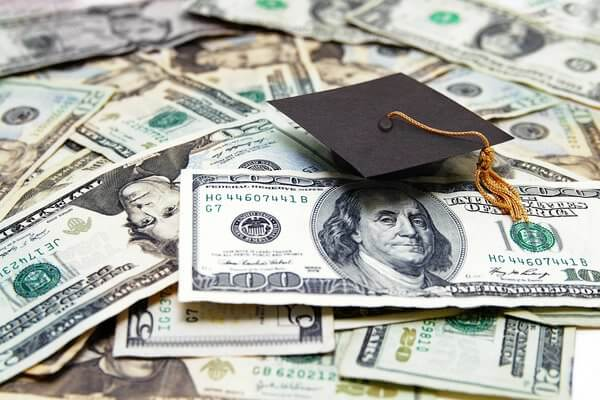 4 Funding Options for Grad Students